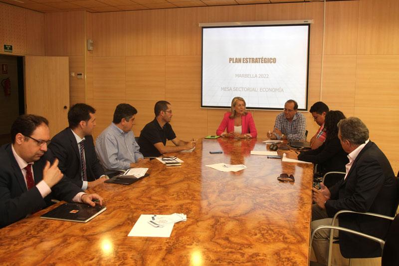 El Consistorio celebra una nueva mesa sectorial del Plan Estratégico con representantes de administraciones, asociaciones empresariales y entidades financieras