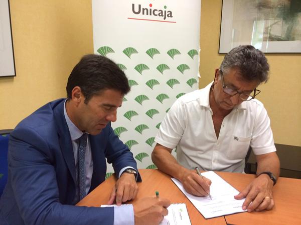 Firma del nuevo acuerdo de colaboración entre Apymem y Unicaja